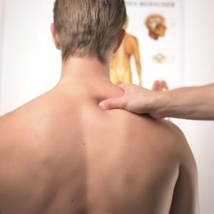 腰痛に効くのツボ13選(手・足・腰)押しとは!すぐ効く応急処置方法